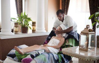 Ajurvédska masáž od dvoch masériek alebo párová masáž priamo zo Srí Lanky